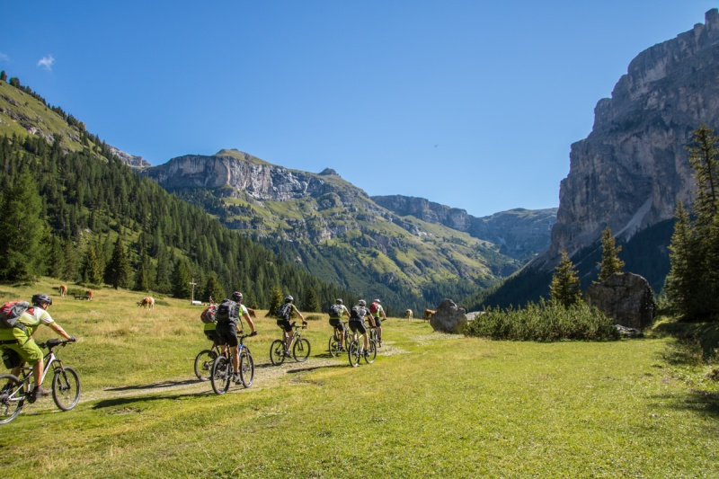 italy dolomites valuing mountain rifugio puez selva di val gardena mountain bike