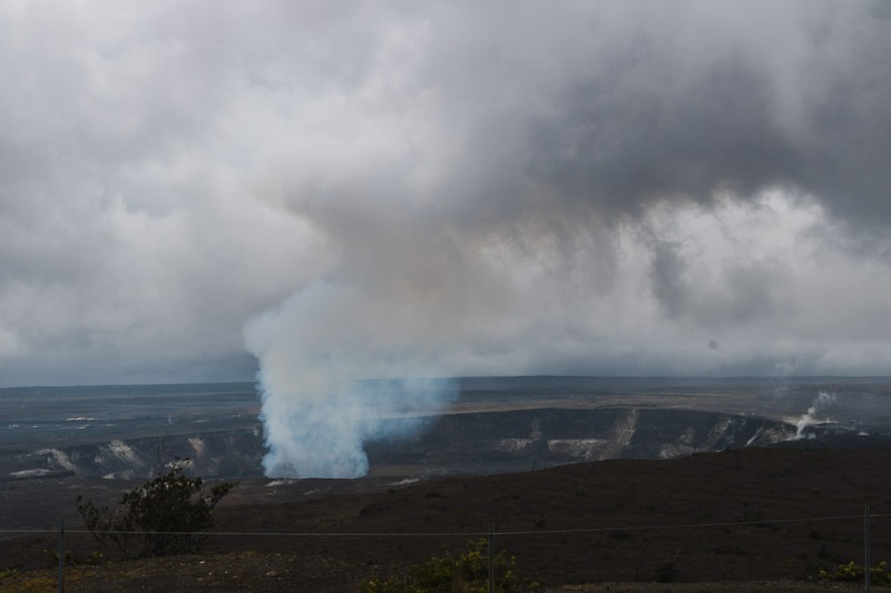 hawaiibig island volcano national park crater