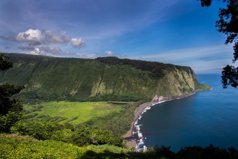 waipio valley big island hawaii lookout